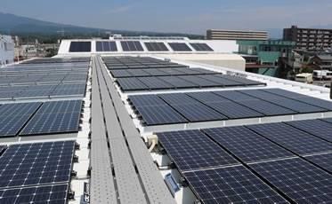 15メーカーの太陽光発電パネルの実発電量を比較できる国内最大級の展示場を併設