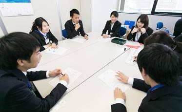 今年入社した新入社員の研修。それぞれたくましく成長しています。